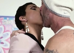 TransSensual Pulchritude Alisa Rae Takes Barebacked wide of DILF